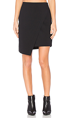 Asymmetrical Cross Front Skirt en Rich Black