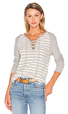 Kita Lace Up Stripe Sweater en Drizzle & Cloud