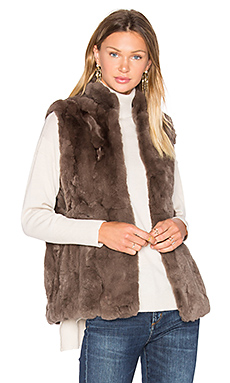 Rabbit Fur Vest – 貂皮色