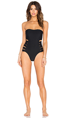 Contadora One Piece Swimsuit en Black Rock