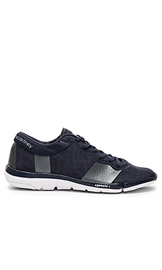 Arauana Dance Sneaker en Night Navy & Cherry Wood