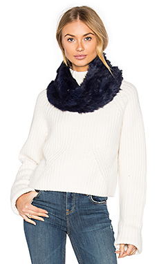 Rabbit Fur Snood en Marine