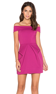 Magnate Mini Dress en Fuchsia
