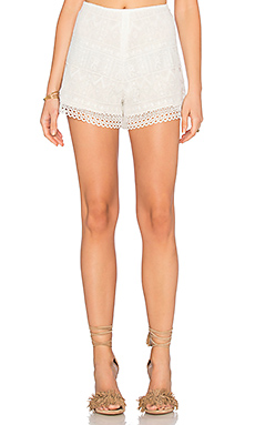 Jace Short en White Lace
