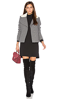 Leonor Faux Sherpa Lined Coat en Gris