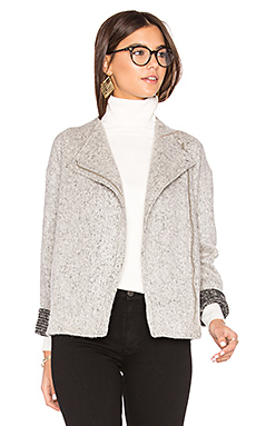 Asymmetric Zip Jacket en Whisper White