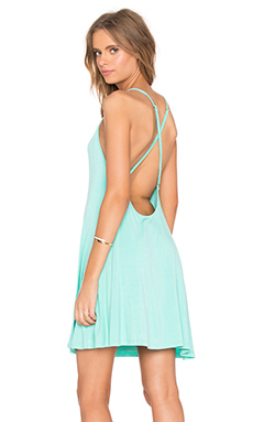 ROBE COURTE CROSS BACK