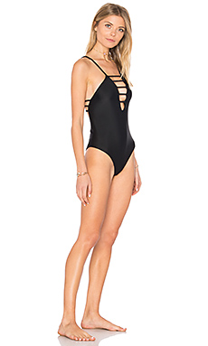 Strappy One Piece en Negro