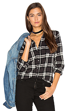 Sloane Flannel Button Up en Black & White