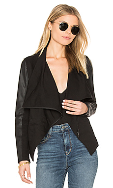 Asymmetrical Draped Blazer en Classic Black