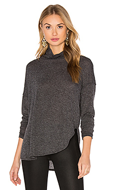 Long Sleeve Turtleneck Tee en Gris fusain