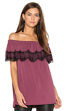 Isabella Off Shoulder Top en Pinot