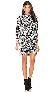 Leema Leopard Print Tie Neck Dress en Blanc Nature & Pur Noir