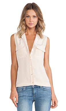 Sleeveless Slim Signature Blouse in Nude