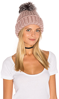 Rain Beanie with Artic Fox Fur Pompom en Rose