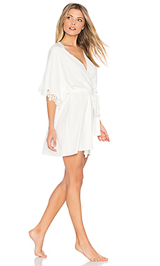 Leslie Matt Charmeuse Lace Cover Up en Ivoire
