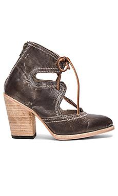 FLAME 短靴