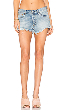 Soft & Relaxed Cut Off Shorts in Light Denim