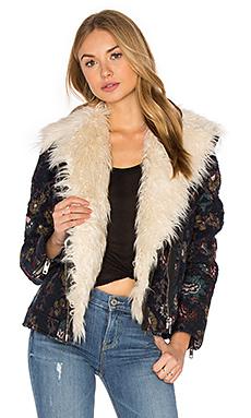 提花羊毛人造革夹克