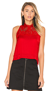 Tied to You Lace Top en Rouge