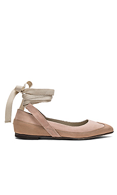 Pressley Wrap Flat en Rose