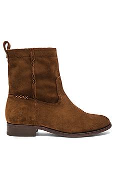 Cara Short Boot en Wood