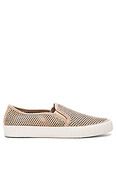 Camille Perforated Slip On en Taupe