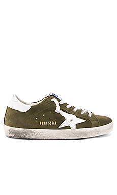 Superstar Sneaker en Olive Green Suede & White Star