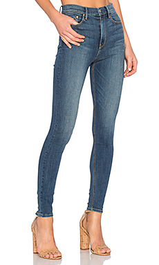 PETITE Kendall Super Stretch High-Rise Skinny Jean en You And Me Against The World