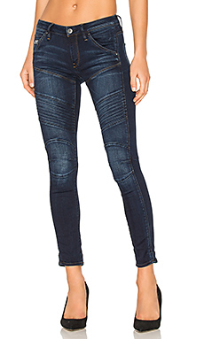 5620 Custom Skinny Jean en Medium Aged