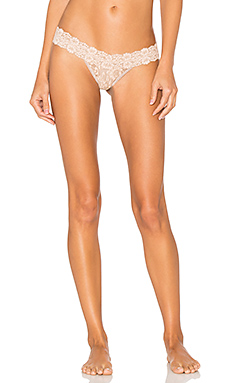 Cross-Dyed Lace Low Rise Thong en Taupe & Vanilla