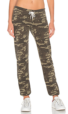 Camo Vintage Sweatpants in Olive