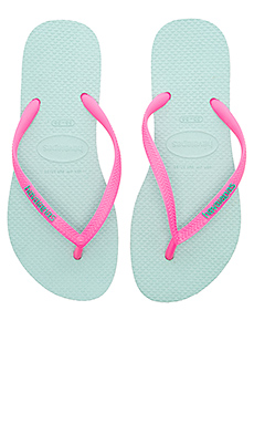Slim Logo Pop-Up Sandal en Mentha Green