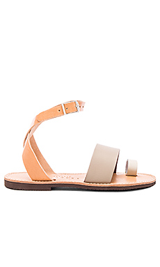 Dune Sandal in Taupe