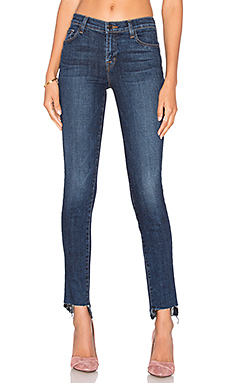 811 Mid Rise Skinny in Mesmeric