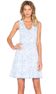 Almina Shift Dress en Polar Ice