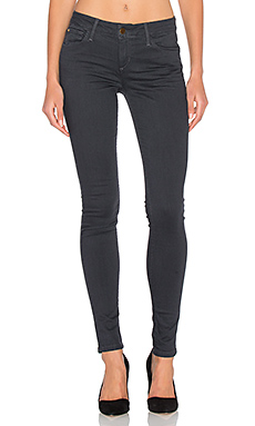 The Vixen Skinny in Charcoal Rinse