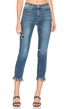 The Charlie High Rise Fray Hem Crop en Distressed Medium Blue