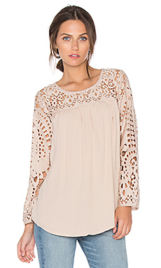 Lindy Lace Blouse in Almond