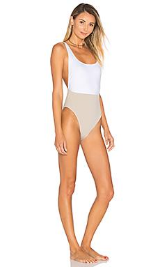 NYX 一件式泳装