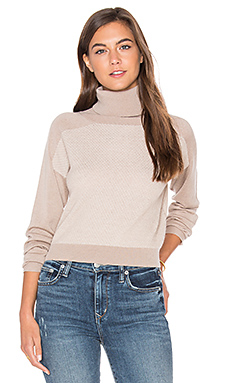 PULL CROPPED TRISH