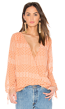 The Long Sleeve Wrap Blouse en Kaleidoscope