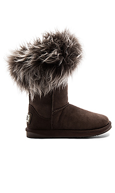 Foxy Short Shearling Boot en Espresso