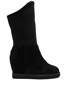 Cosy Tall Wedge Shearling Boot en Noir