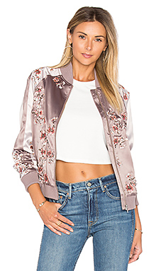 x REVOLVE The Worldwide Bomber en Tropical Days