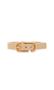 Icon Buckle Leather Bracelet en Beige Antique