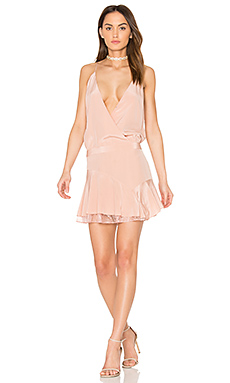 x REVOLVE Cami Ruffle Mini Dress – 粉红胭脂系列