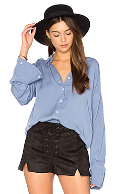 Flare Cuff Washed Shirt in Washed Blue