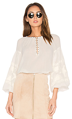 Embroidered Tunic Top en Blanc
