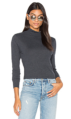 Allyn Mock Turtleneck Top en Charcoal